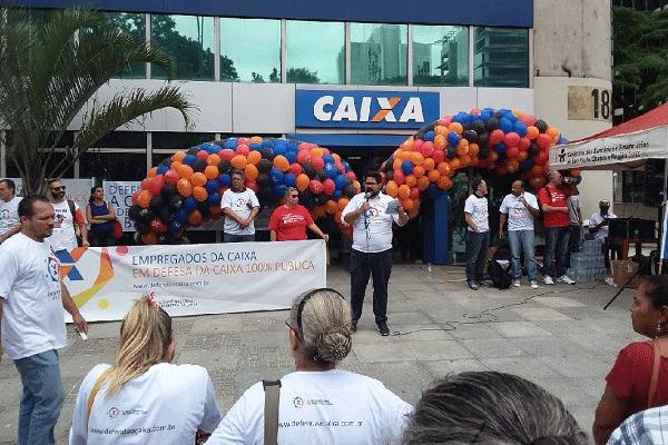 Manifestação em defesa da Caixa - São Paulo