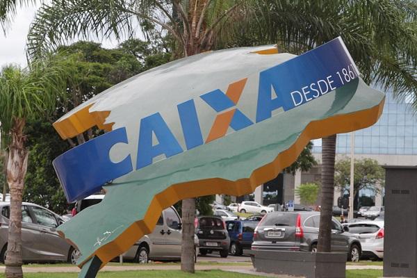 EsculturaCaixa-600x400.jpg